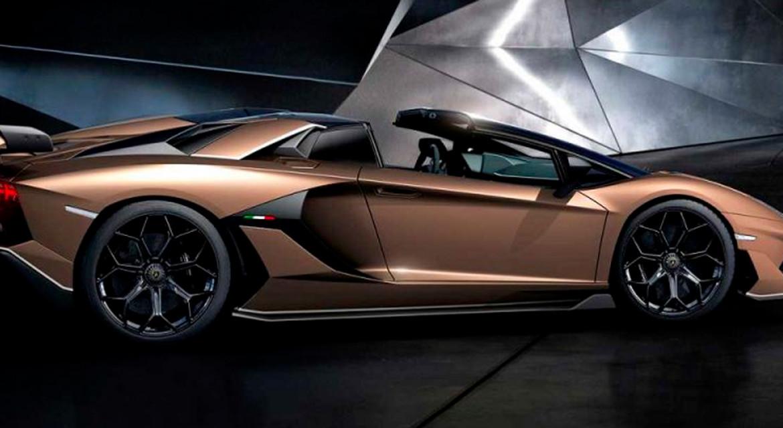 Lamborghini Aventador SVJ Roadster, il V12 a Ginevra